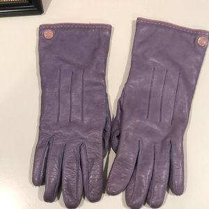 Coach lavender leather gloves